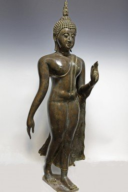 walking-buddha-1